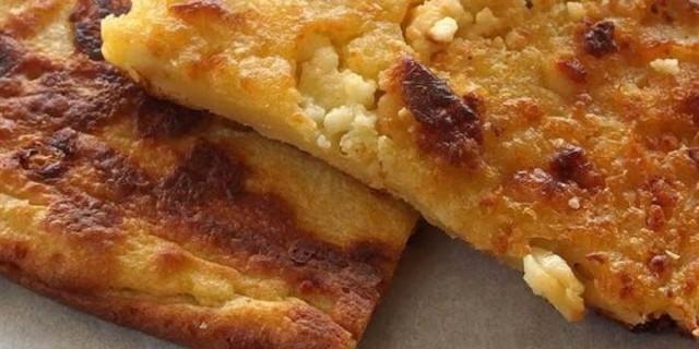 Ζαγορόπιτα: Λεπτή, βουτυράτη και τραγανή τυρόπιτα
