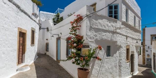Αυτά είναι τα 9 ωραιότερα αρχοντικά στα ελληνικά νησιά