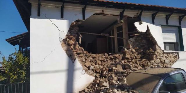 Σεισμός στην Ελασσόνα: Εικόνες καταστροφής στην περιοχή - Κατέρρευσαν δεκάδες σπίτια