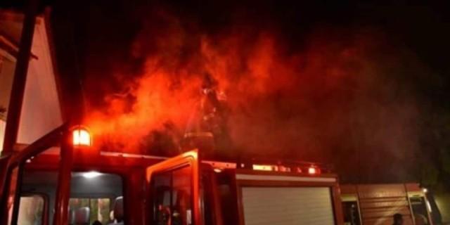 Φωτιά σε αποθήκη στο Αιγάλεω