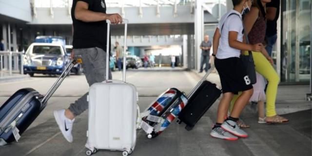 Τουρισμός: «Παγωμάρα» από τη Βρετανία - Άφησε εκτός «πράσινης λίστας» την Ελλάδα
