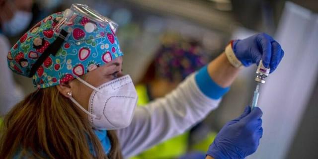 Κορωνοϊός: Το 4ο κύμα της πανδημίας θα αφορά αποκλειστικά τους ανεμβολίαστους