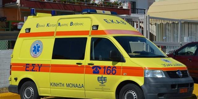 Φωτιά στη Σταμάτα: Σε κατάσταση μέγιστης ετοιμότητας το ΕΚΑΒ με εντολή Κικίλια