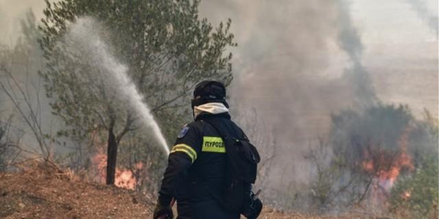 Φωτιά Ζήρια Αχαΐας - Εκκενώνεται οικισμός