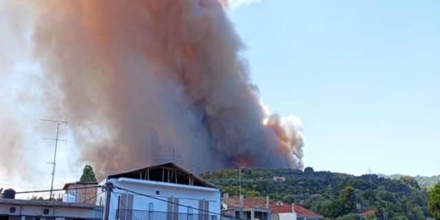 Φωτιά στην Αχαΐα: Εντολή εκκένωσης τεσσάρων οικισμών - Κλειστή η παλαιά εθνική και η Ολυμπία οδός