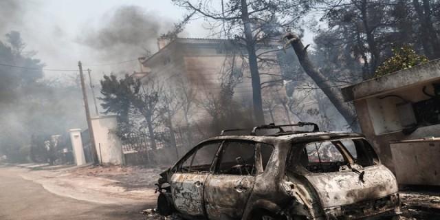 Φωτιά στη Σταμάτα: Τέσσερις προσαγωγές υπόπτων - Νέες εικόνες από τη πύρινη λαίλαπα