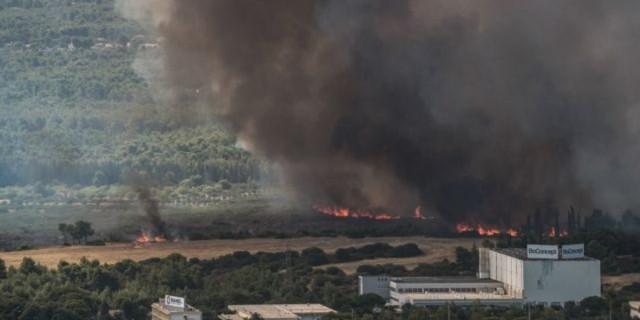 Φωτιά στη Βαρυμπόμπη: Καρέ καρέ πως ξεκίνησε η πυρκαγιά (video)