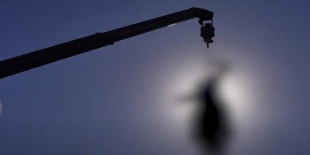 Βίντεο-σοκ: Ταλιμπάν κρέμασαν πτώματα φερόμενων απαγωγέων στην πόλη Χεράτ