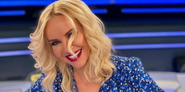Σε πελάγη ευτυχίας η Μαρία Μπεκατώρου: Ανακοίνωσε δημόσια τα ευχάριστα