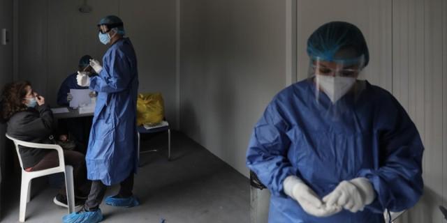 Στο «κόκκινο» η χώρα: Πάνω από 3.400 νέα κρούσματα κορωνοϊού