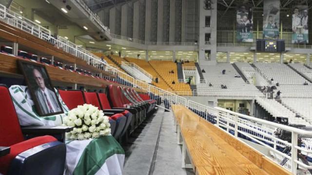 Θανάσης Γιαννακόπουλος: Με τη σημαία του Παναθηναϊκού κάλυψαν τη θέση του στο ΟΑΚΑ!