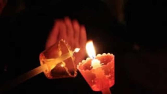 Πασχαλινή λαμπάδα: Έχετε αναρωτηθεί τι συμβολίζει;