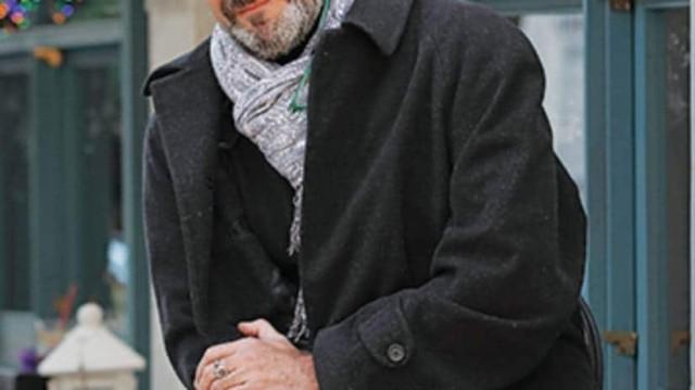 Σοκ: Γνωστός σεναριογράφος λιποθύμησε στη μέση του δρόμου!