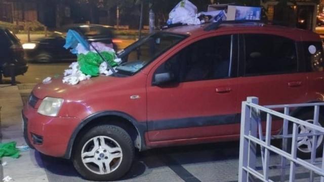 Θεσσαλονίκη: Το παράνομο παρκάρισμα που..έκανε το αυτοκίνητο χωματερή!