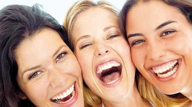 Γελάτε γιατί...χανόμαστε! - Τα απίστευτα οφέλη στην υγεία μας!
