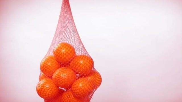 Εσύ γνώριζες γιατί βάζουμε τα πορτοκάλια σε κόκκινα διχτάκια;;