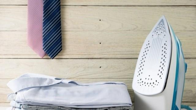 Έχει γεμίσει το σίδερο ρούχων με άλατα και σκουριά; Καθάρισε το με φυσικό τρόπο!