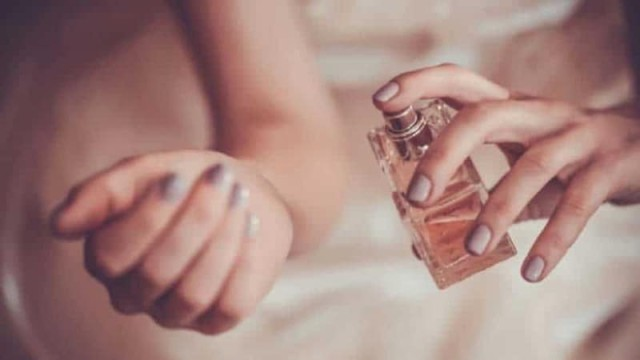 Ποια είναι τα tips για να μυρίζεις ωραία όλη μέρα;