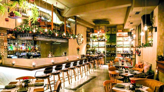 Caravin wine bar: Ένα μαγικό ταξίδι με παρέα τον οίνο!