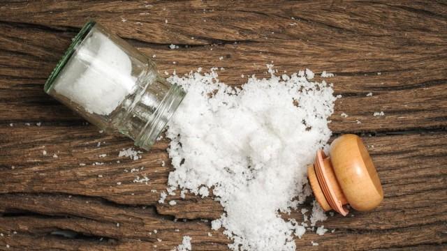 Βουλωμένα σιφόνια; Καθάρισε τα με αλάτι!