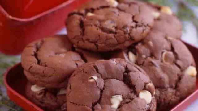 Φτιάξε σπιτικά μπισκότα με λίγα και φθηνά υλικά!
