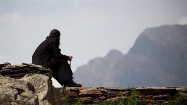 Θα σας συγκλονίσει η ιστορία: Μοναχός σώζει τη μητέρα του από την Κόλαση!