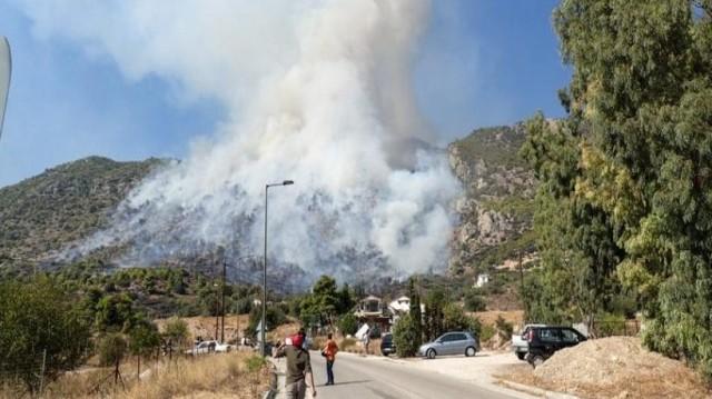 Φωτιά στο Λουτράκι: Στη μάχη και ο στρατός! Εκκενώθηκαν μοναστήρια!