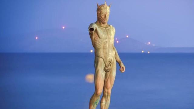 Το εντυπωσιακό άγαλμα του Ποσειδώνα που δεν είναι στην Ελλάδα! (photos+video)