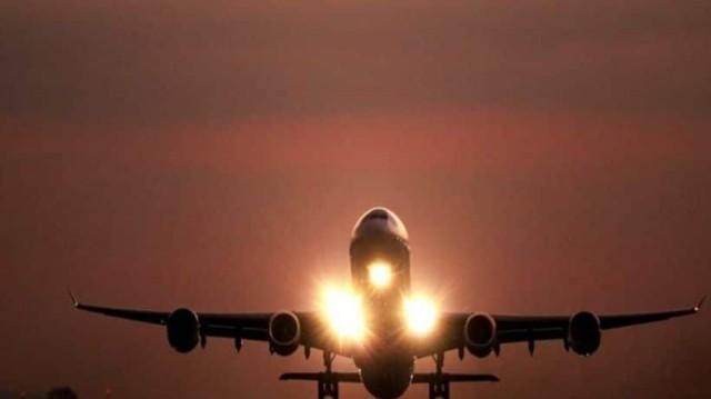 Ο απόλυτος τρόμος: Αεροπλάνο έπιασε φωτιά μπροστά στους επιβάτες! (photos)