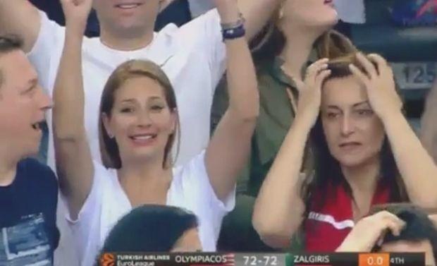 Έπος: Γυναίκα φίλαθλος του Ολυμπιακού πανηγύρισε air ball του Μάντζαρη!