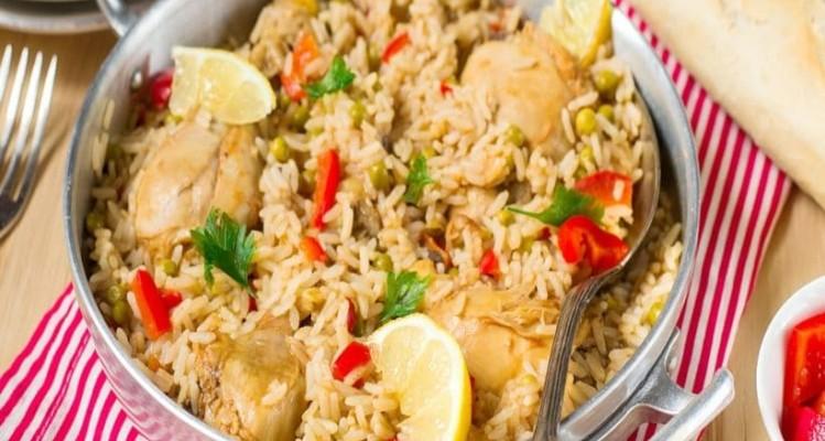 Πεντανόστιμο κοτόπουλο λεμονάτο με μανιτάρια και ρύζι!
