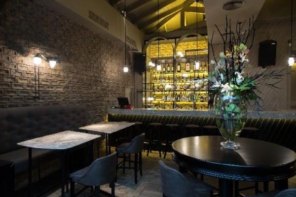 """Το εστιατόριο Albion φιλοξενεί  το """"Thioni"""""""