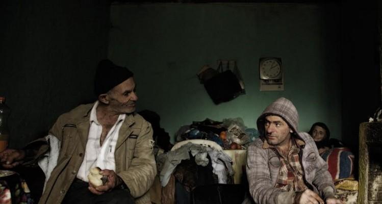 Στο Λύκο: Ένα αποκαλυπτικό οδοιπορικό, μια συνταρακτική αλληγορία για την Ελλάδα της κρίσης