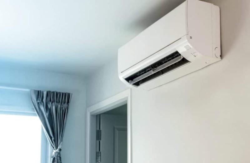 Το κλιματιστικό δεν βγάζει κρύο αέρα! Τι πρέπει να κάνω;