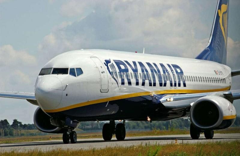 Έσκασε ανακοίνωση από τη Ryanair - Εισιτήρια από 9,99 ευρώ