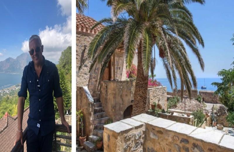 Τάσος Δούσης: Το πέτρινο ξενοδοχείο με την αρχοντική ομορφιά που τον εντυπωσίασε στη Μονεμβασιά