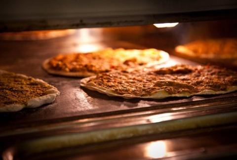 Σε αυτή τη γωνιά στο κέντρο της Αθήνας θα δοκιμάσετε το καλύτερο street food της πόλης!