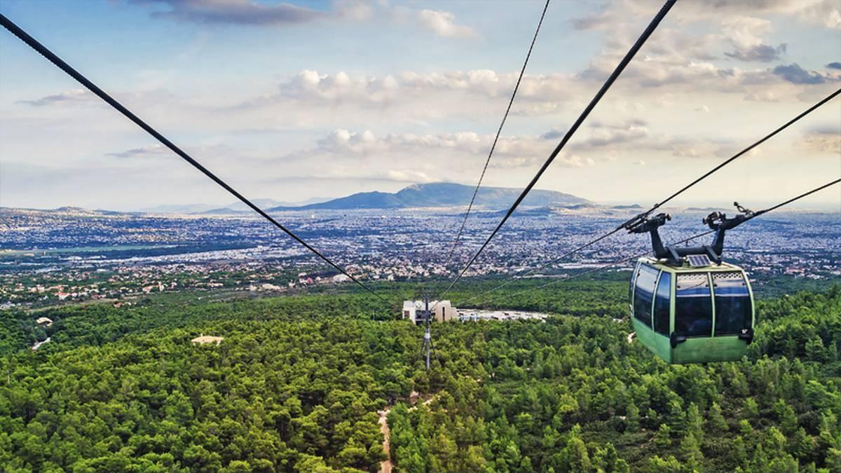 Η φωτογραφία της ημέρας: Η Αθήνα από το τελεφερίκ της Πάρνηθας