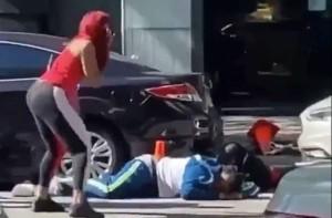 Δολοφόνησαν γνωστό τραγουδιστή - Τον «γάζωσαν» στη μέση του δρόμου (Video)