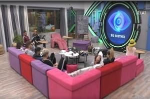 Στα 4 παίκτρια του Big Brother: Νέα απαγορευμένα πλάνα που εξοργίζουν!