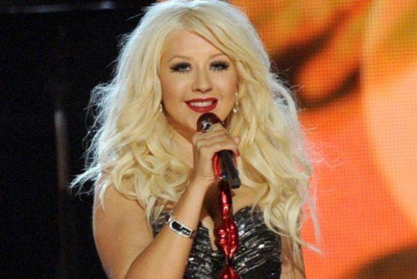 Τραγούδι... copy-paste για την Christina Aguilera