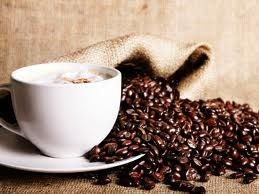 Γιατί πίνουμε καφέ για να ξυπνήσουμε;