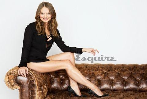 Η 17χρονη Laura Haddock... μας δείχνει τα κάλλη της στο Esquire!!! Αυτά είναι! (PHOTOS)