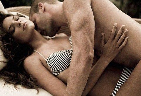 Γυναίκα δίνοντας στοματικό σεξ
