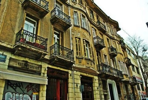 ΕΞΑΡΧΕΙΑ: Η πιο... άτακτη και μποέμ γειτονιά της Αθήνας!