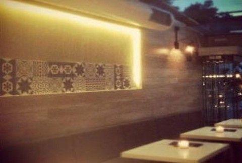 Suid: Ποιοτική μεσογειακή κουζίνα και... παιχνιδιάρικα cocktails στη Βουλιαγμένη!