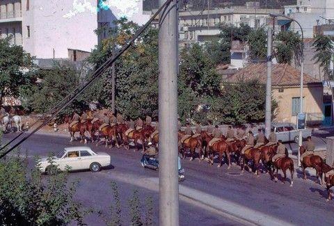 ΑΠΙΘΑΝΕΣ ΕΙΚΟΝΕΣ! Οταν η Αθήνα ήταν ... ένα χωριό και τα ζώα κυκλοφορούσαν στον δρόμο!!!