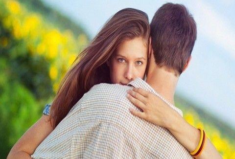 Πώς να χειριστεί dating περισσότερα από ένα άτομο χρονολόγηση Button