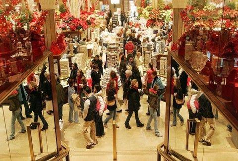 6903c25dbe Σας ενδιαφέρει  Έτσι θα κάνετε τα ψώνια των Χριστουγέννων με έκπτωση έως 50%