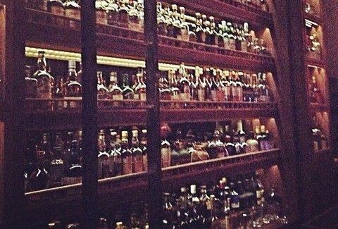 CV Distiller: Το bar με την καλύτερη κάβα στην πόλη... άλλαξε γειτονιά!